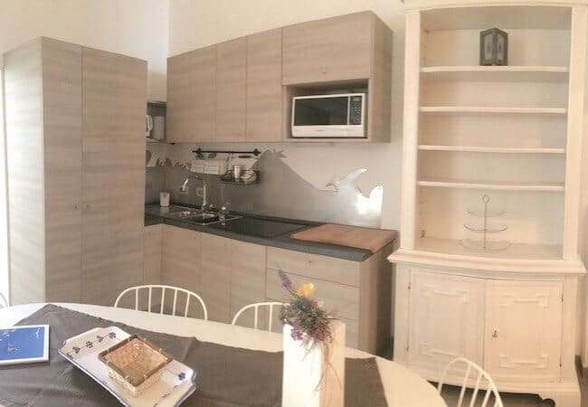 cucina appartamento libeccio gabbiano relais stromboli