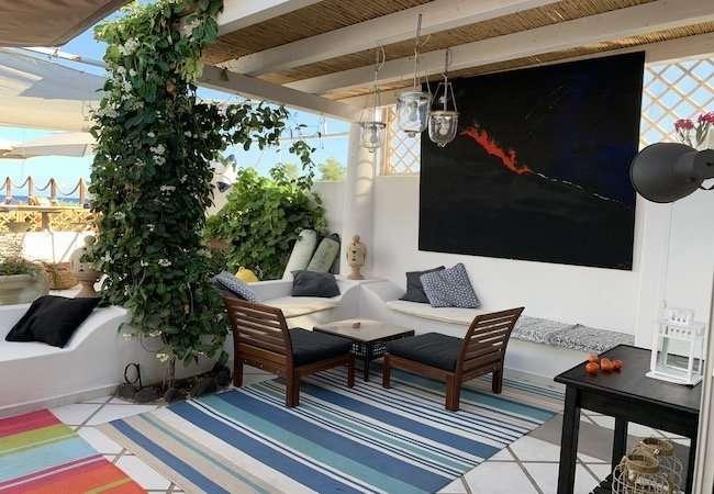 Marina del gabbiano stromboli - details of the lounge bar and buoy field