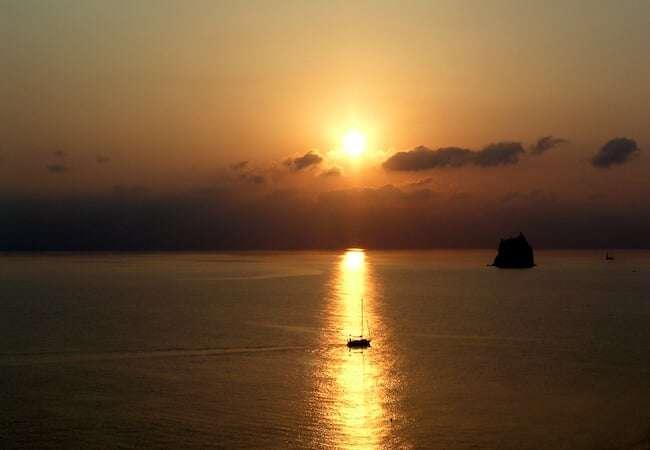 stromboli strombolicchio vista tramonto